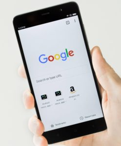 Chrome in Android could detect any URL on the clipboard.